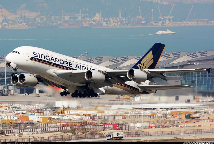 Airbus A380-841, Singapore Airlines, 9V-SKE, cn 010, first flight 21.12.2007, Singapore delivered 28.1.2008. His last flight 17.4.2016 Sydney - Singapore. Foto: Hong Kong, China, 8.2.2016.