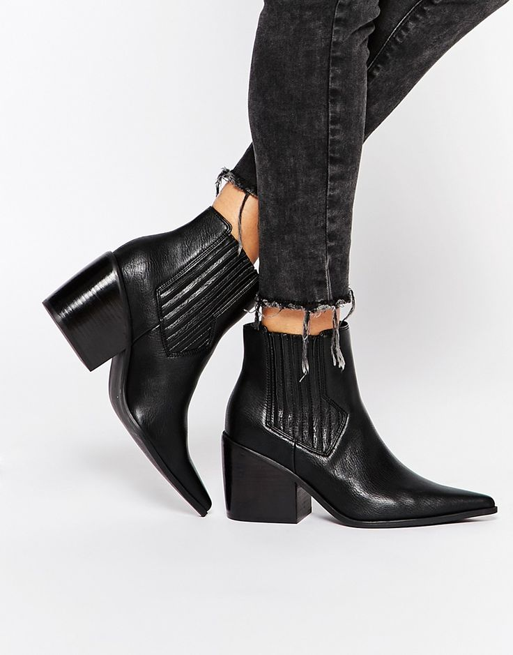 9ad93e8b4e9 ELSA Western Pointed Ankle Boots