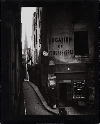 Artnet Online Auction-www.artnet.com  Eugene Atget   Rue des Chantres, 1923