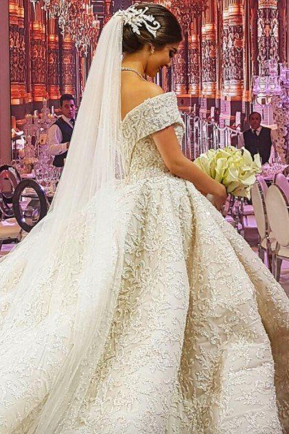 This Lebanese Bride Married a Jeweler, and Her Wedding Look Was Dripping in Diamonds