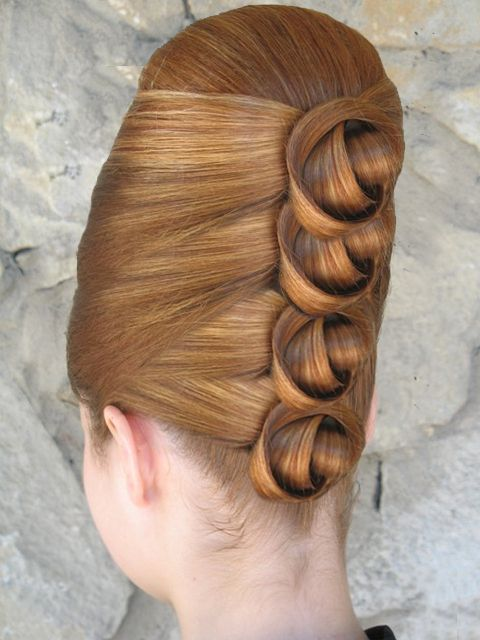 Blond Bouffant... Four  'Granny Knots'....