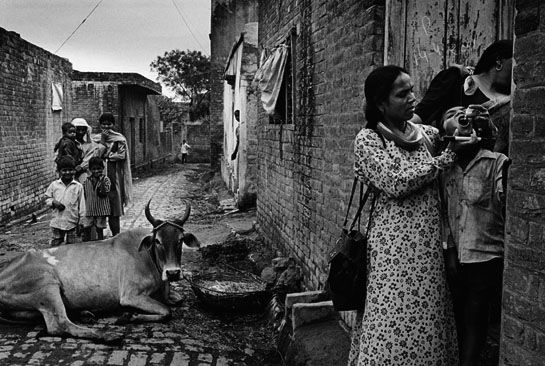 © Sebastiao Salgado. Polio immunization in the village of Dadupur. Moradabad district, India . 2001