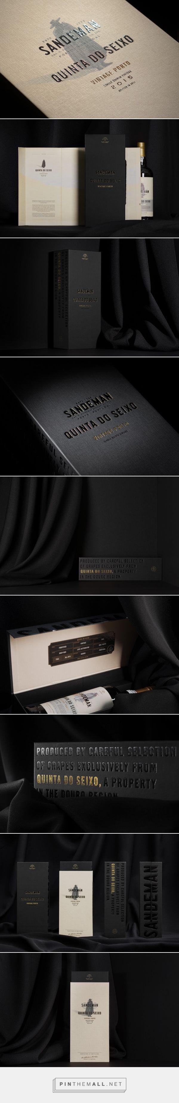 Quinta do Seixo Single Estate Vintage giftbox packaging design by VOLTA - http://www.packagingoftheworld.com/2017/11/quinta-do-seixo-single-estate-vintage.html