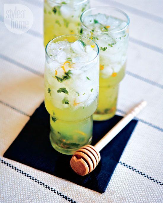 Lemon and mint summer cocktail {PHOTO: Edward Pond}