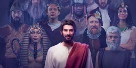 Jesús destaca entre algunos personajes históricos