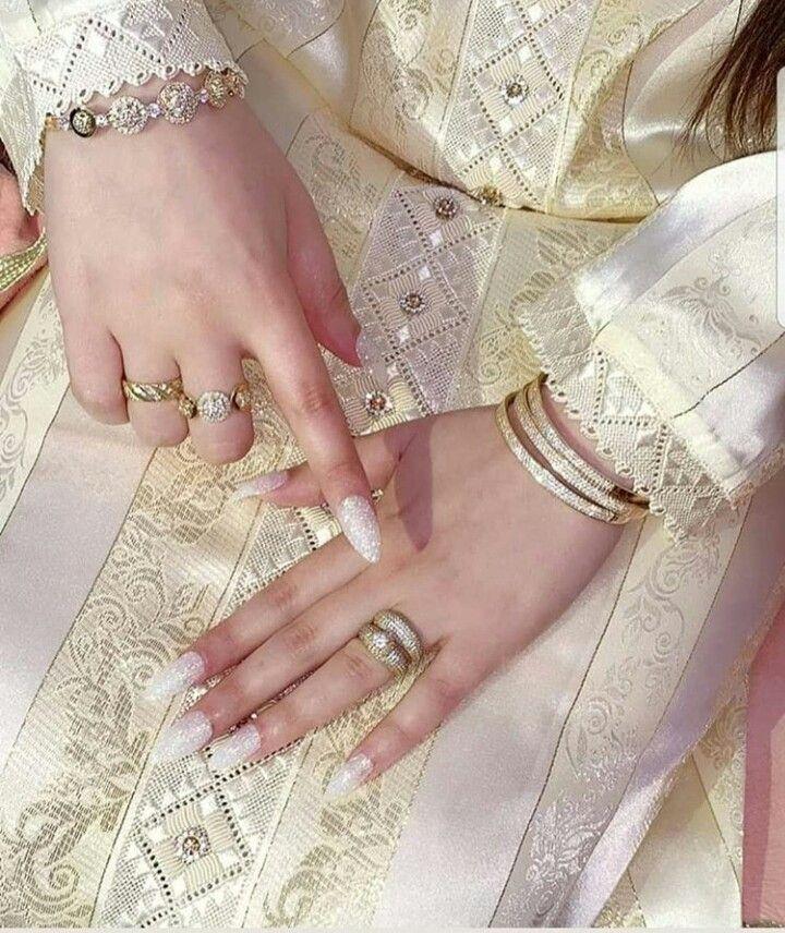 Pin By Khaoula On Jawhara Caftan Rose Gold Watch Glitz And Glam Caftan
