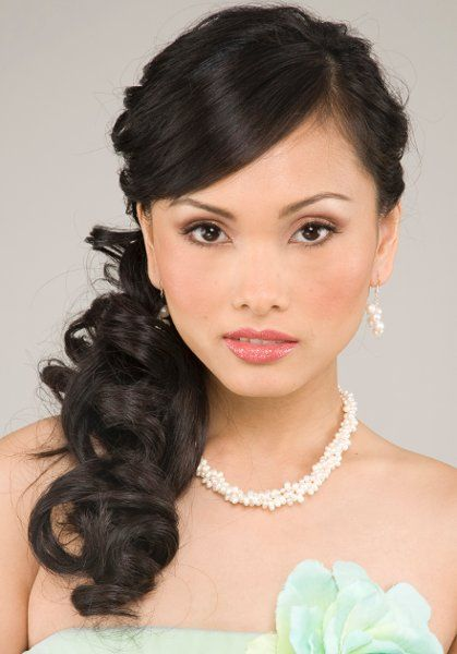 Modern Down Fall Half-up Spring Summer Vineyard Wedding Hair