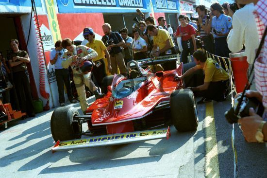 Gilles Villeneuve (CDN) Ferrari 312 T5