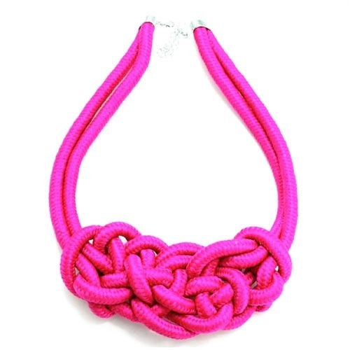 Knot necklace in pink - hardtofind.
