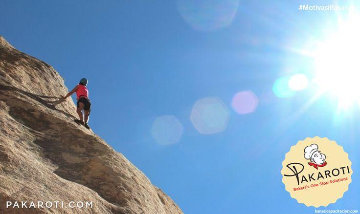 Orang yang berhasil sampai di puncak adalah orang yang selalu mengambil tantangan baru. Berbuatlah sesuatu yang sebelumnya Anda pikir tidak bisa. #MotivasiPakaroti