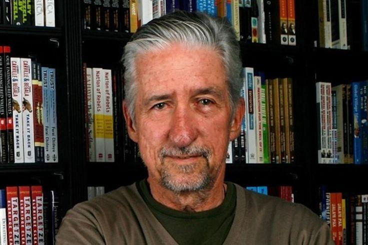 Tom Hayden Famed Anti-Vietnam War Activist Dies Aged 76