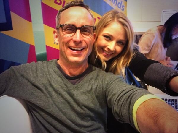 Wallace Langham and Elisabeth Harnois tweeting about premiere of CSI. I love Wally's glasses and this picture is so cute!