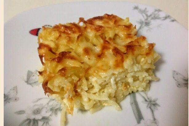 İşte size çok hafif bir fırında makarna.Tadına baktığınızda bir porsiyon daha isteyebilirsiniz:) İçindekiler:Peynir,spagetti,kaşar,yumurta,yoğurt İsteye göre kıymalı da yapabilirim.