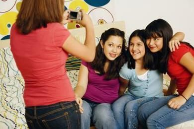 Five easy steps to foster peer relationships in Middle Childhood