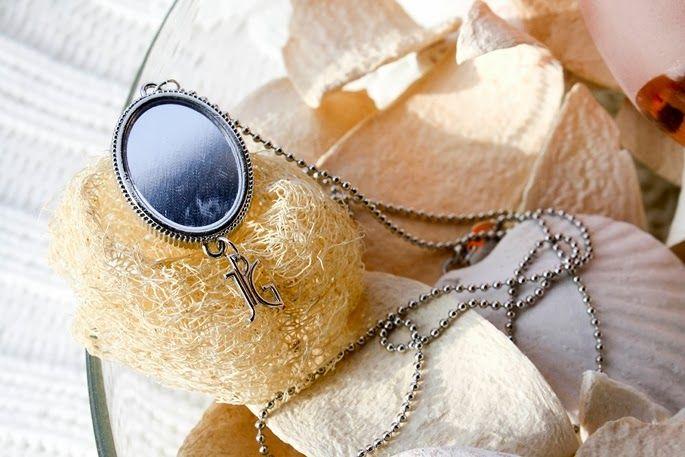 JEAN PAUL GAULTIER CLASSIQUE - necklace on www.thecurlyway.com