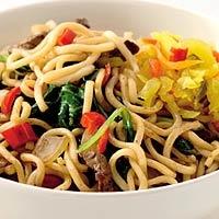 Noedels met runderreepjes en spinazie