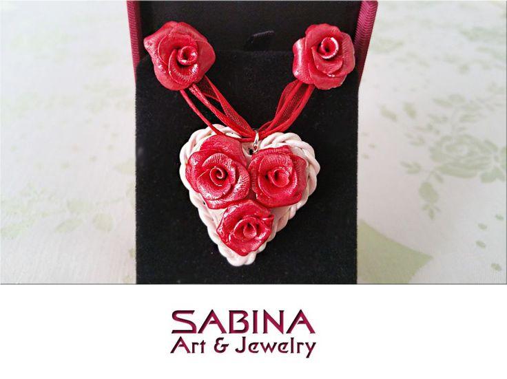 Set fimo - trandafiri rosii pe o inima alba (modelate manual)