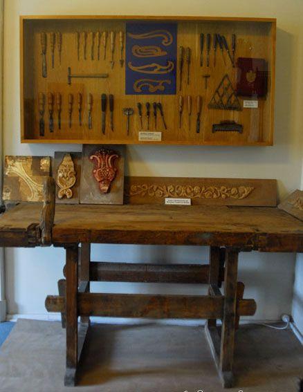 Büyük Sultanın çalışma masası ve kullandığı aletleri