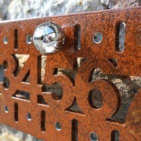 Un compteur de point original pour la décoration de votre terrain de pétanque et vos jeux de boules. Bocce balls score board