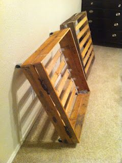 DIY Pallet Storage Drawers. Super Easy To Make!!! Make them to fit a crib mattress for quick pull out over nighter beds for grandbabies :)