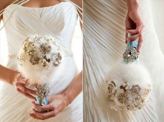 feather-rhinestone-bouquet-blue-satin-handle