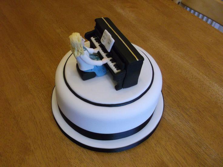 Piano cake x www.facebook.com/fireflycakes