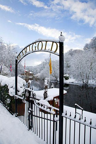 Marigold Cafe and Boat Hire in Winter   Knaresborough  North Yorkshire  England  UK