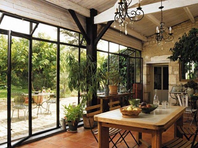 J'aime les vérandas, je crois même que c'est la pièce que je préfère dans une maison!