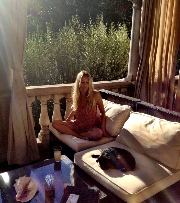 Life, Favorite Places, Balconies, Outdoor Lounges, Marketing Hq, Hq Blog, Backyards Ideas, Meditation Morningsfeel, Outside Spaces