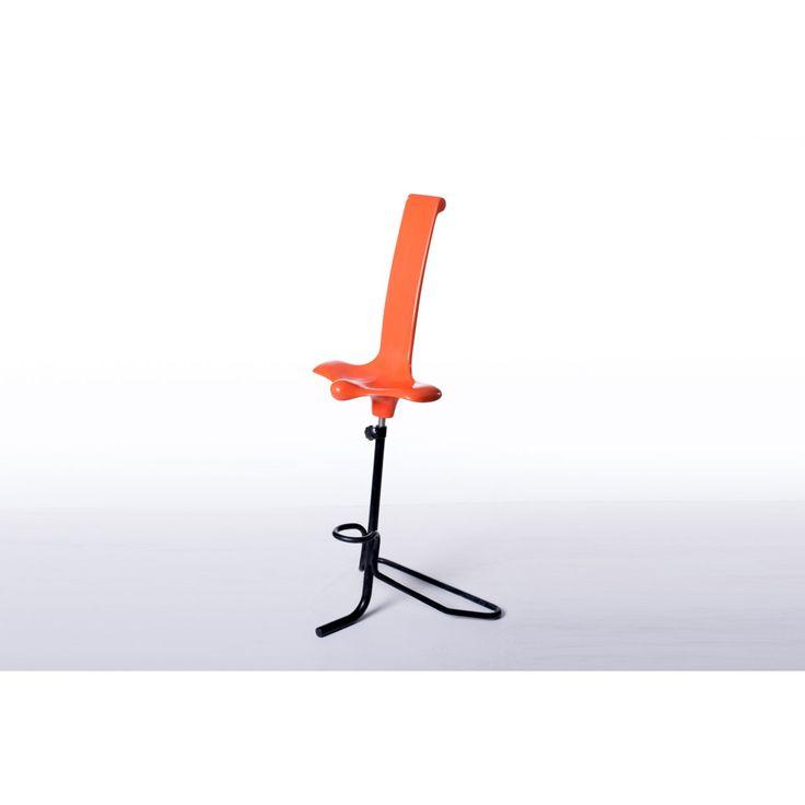 Sgabello ergonomico Appoggio designer Claudio Salocchi produttore Sormani paese Italia colori arancio nero in resina e metallo