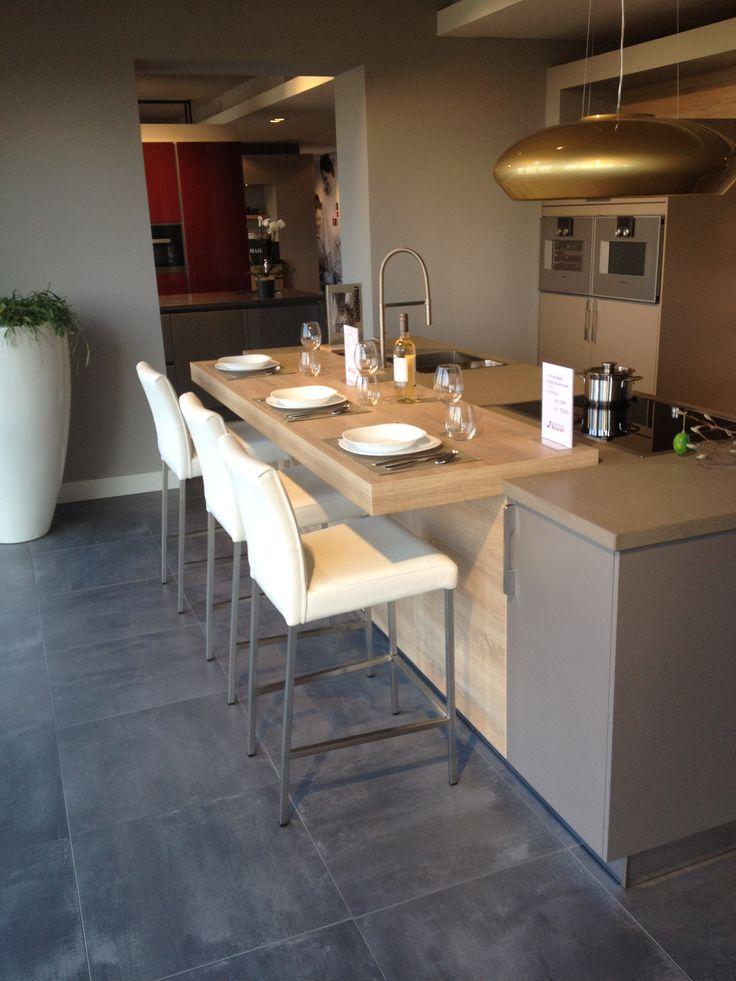 Ztahl barkrukken maken uw keuken compleet | Leefkeuken |. Ga voor keukeninspiratie naar: www.keukenstudiostoof.nl