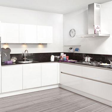 De symmetrische GL lussac keuken vormt de perfecte basis van een moderne woning // Brugman @ Villa Keuken