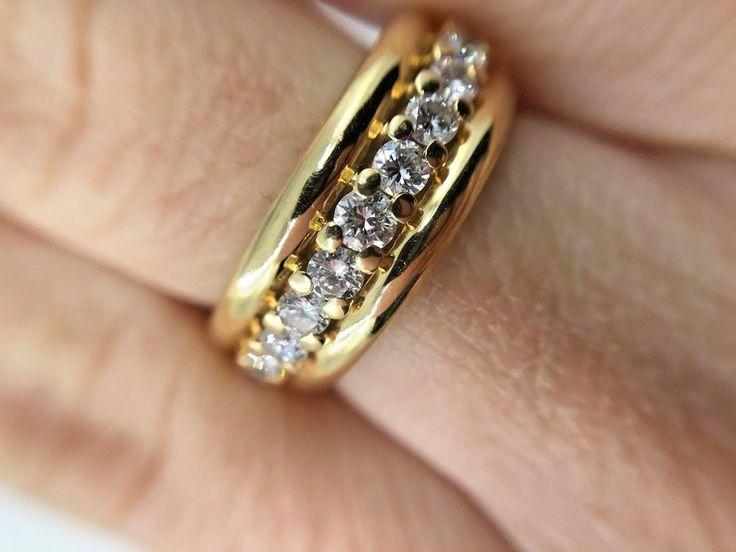Sortija de oro 18k de 1ª ley con 11 diamantes de un peso total aprox. 0,44ct