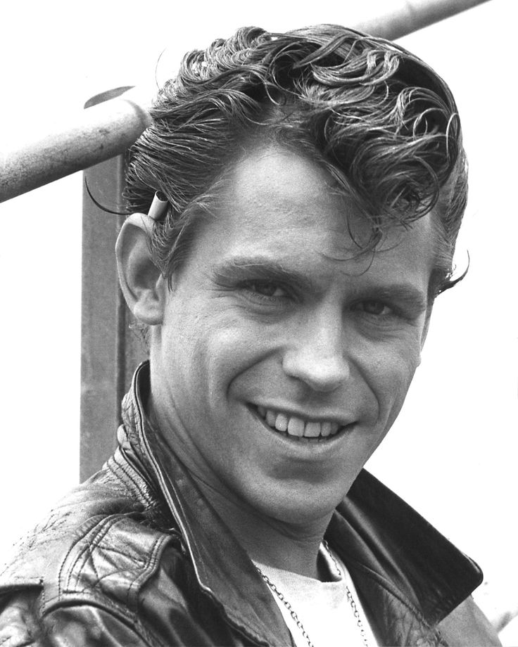 Jeff Conaway was already a Grease alum. He played the role of Danny Zuko on Broadway (along with Richard Gere and Patrick Swayze!) but got the sidekick role of Kenickie in the film.