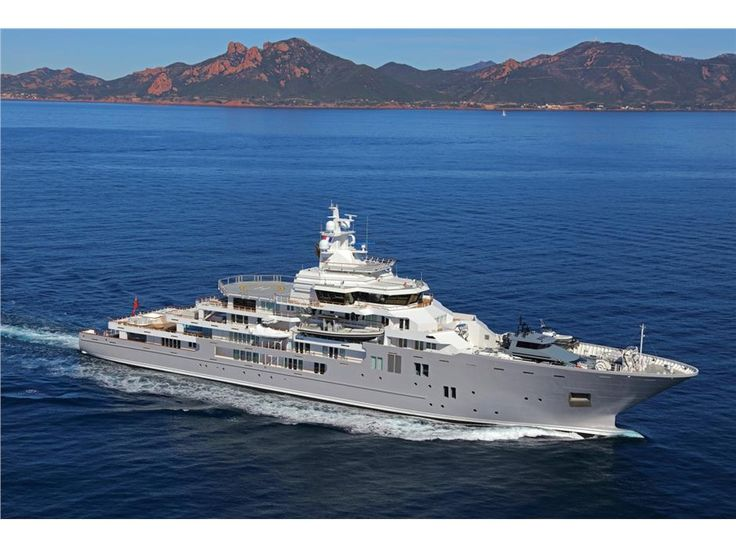 Ulysses Yacht   352  6   107 42m     195 0 million. Best 25  Big yachts ideas on Pinterest   Yachts  Luxury yachts and