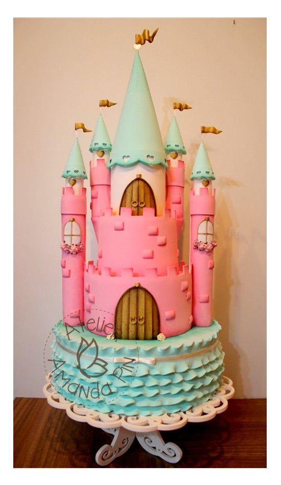 Castelo Princesa - Bolo Cenográfico todo em E.V.A - By Atelier Amanda Pin