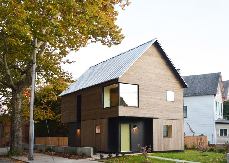 Yale graduate students have designed and built a contemporary family house in a low-income neighbourhood in New Haven, Connecticut