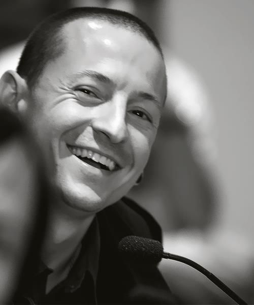 CHESTER BENNINGTON That Chazzy smile takes my breath away every freakin' time...since day one