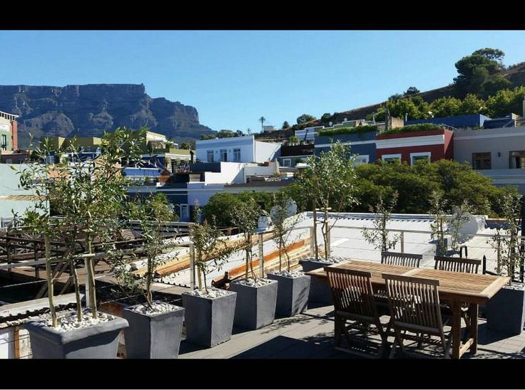 86 Waterkant (Sleeps 4) in Cape Town. Situated in the fashionable and historic De Waterkant village.