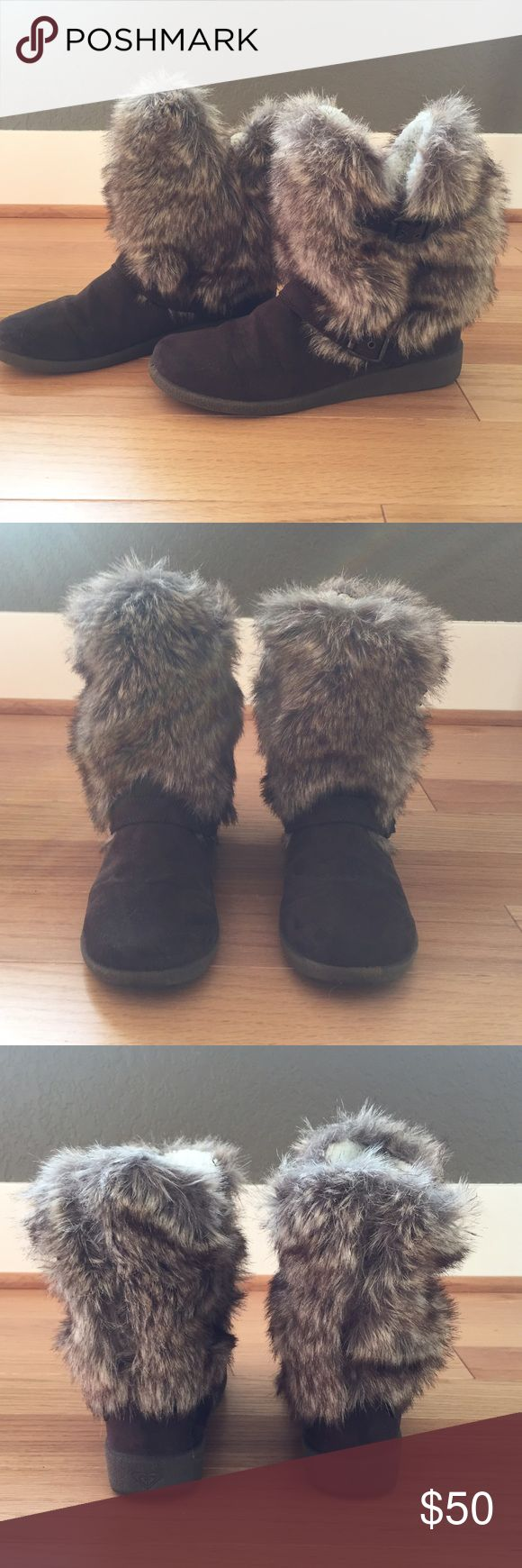 Brown Roxy Hemlock Boots Only worn once! Super soft and warm winter boots! Exclusive! Sold out at Buckle Store and Online Buckle Shoes Winter & Rain Boots