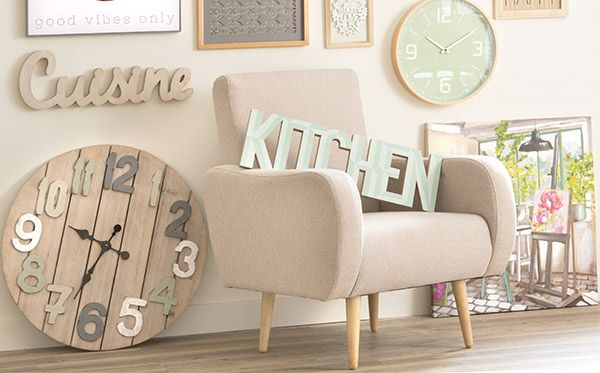 For a very cozy #house: #wooden #walldecoration for #livingroom and #kitchen by @maisonsdumonde