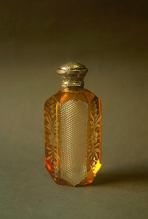 Flacon à sels | décor floral, 1850