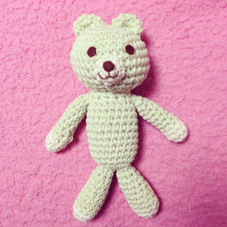 Bear knitted with pale green organic cotton. Not named yet... Hope my friend give her a beautiful name:)  Crochet, stuffed animal, bear, knitting, Using 100% organic cotton. Good gift for baby and kids♡