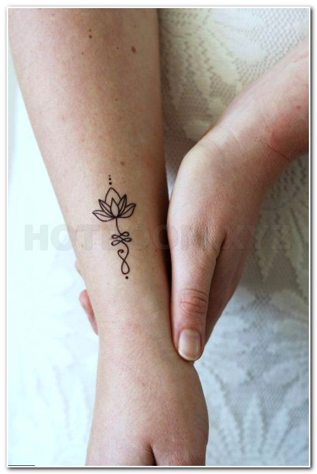 Japanese Flower Tattoo Black And Whit Tattoo Tribal Arm Designs 3d Tattoo On Forearm Small Cute Women Tattoos For The Wris Small Upper Arm Tattoo Morganite