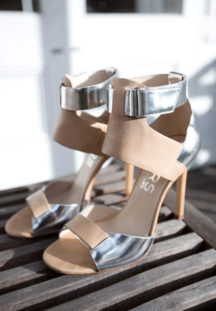 KORS Michael Kors - OMG WANT!: Kors Michael, Nude Shoes, Silver Heels, Fashion Chic, Street Style, Michael Kors, Woman Shoes, Sandals, High Heels