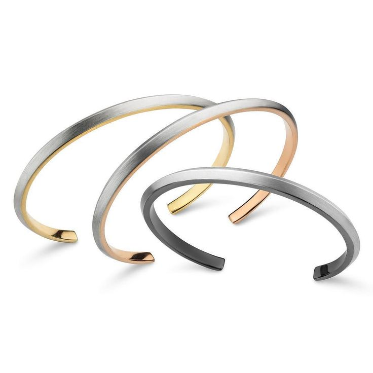 Pulseira Setas em três opções de acabamento: ouro amarelo ouro rosa e ródio negro. Difícil escolher uma só!  .  Na @JoyaIpanema Galeria @ForumIpanema. .  #joiasrenatarose #joias #renatarose #joiasparaamar #joiascompersonalidade #design #Joyá #joyaipanema #galeriaforumipanema #forumipanema #minimal #minimaldesign #minimalchic #simplelife #simpleandpure #puredesign #atemporal #joiasminimalistas #simplesassim #designmaker #cooljewelry  #fashionjewelry #achochic #estilo #elegancia #elegant…