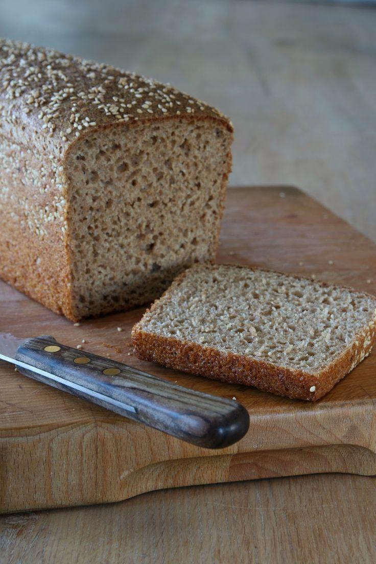 Ik kwam dit recept tegen op de blog 'Xandra bakt brood'  een super leuke blog waar, zoals de naam al doet vermoeden, heel veel brood...