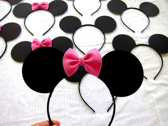 Minnie Mouse ears, I think I like this method better, it's made of foam.