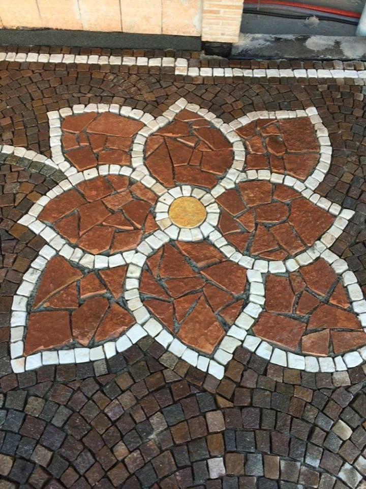 Fiore in pietra