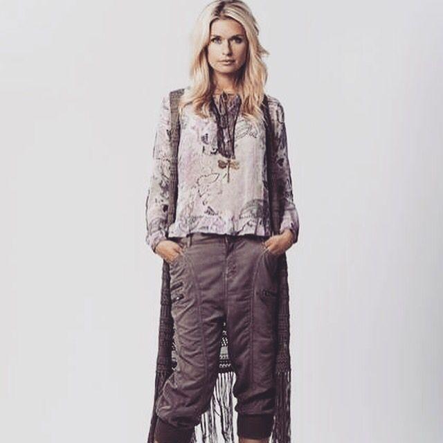 We love Cream!!! Klærne finner du her: www.gozip.no #goziplillestrom #gozip #mote #fashion #klær #nyheter #news #lillestrom #norge #norway #sko #shoes #vesker #bags #kjoler #dresses #bukser #pants #mapp #cream_dkcompany #bibbanorge #spicyvanilla #angelsneverdie #stylesnobcph #KoKoNorway_fashion #agenciesturquoise #dizsmykker #soliver #mustang #pleasejeansnorge